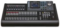 Tascam DP-32SD 32 sávos digitális munkaállomás/keverő