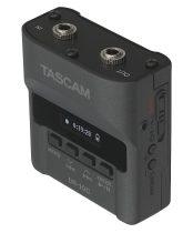 TASCAM DR-10CS Memóriakártyás rögzítő csiptetős mikrofonokhoz mely vezetéknélküli adóegység elé iktatható. Micro SD/SDHC (max. 32GB) WAV rögzítés, Sennheiser-kompatibilis verzió!