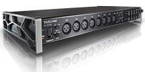 TASCAM US-16x08 Ultra-HDDA mikrofon előfokok, 16 be- és 8 kimenet